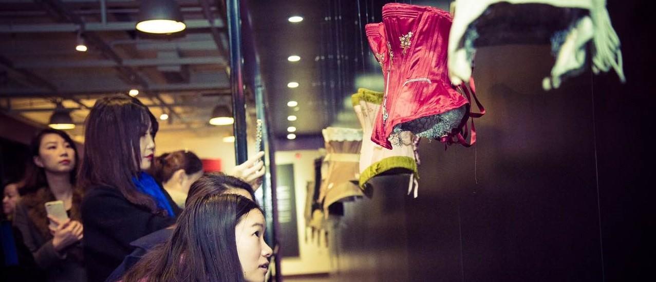 """Exposition à Shanghai L'histoire de la Lingerie 2017年上海思南公馆""""欧洲百年古典内衣臻品展"""""""